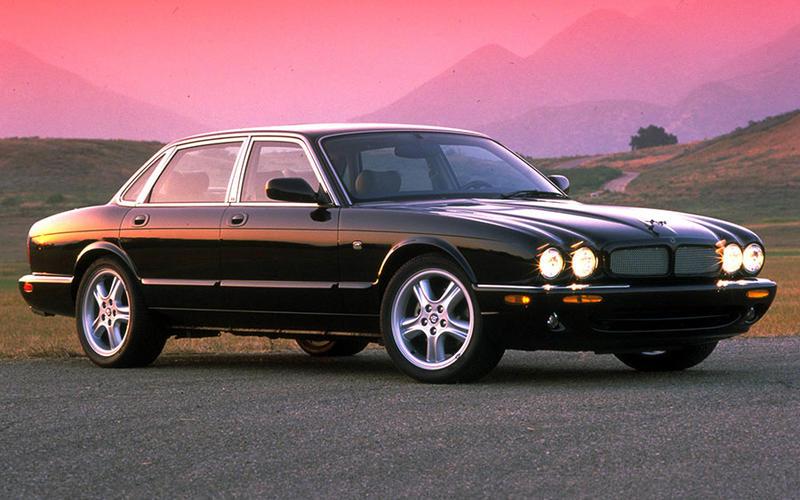 Jaguar XJR (1995)