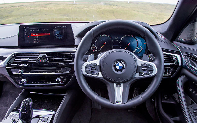 5: BMW 530d Touring: dashboard