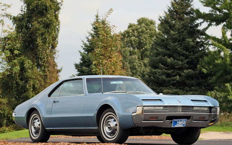 52. 1966 Oldsmobile Toronado (UP 2)