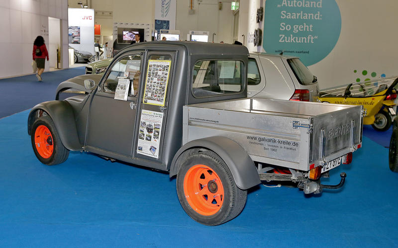 Electric Citroen 2CV pick-up