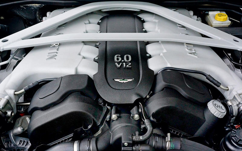 Aston Martin DB9 (2004-2016) - engine