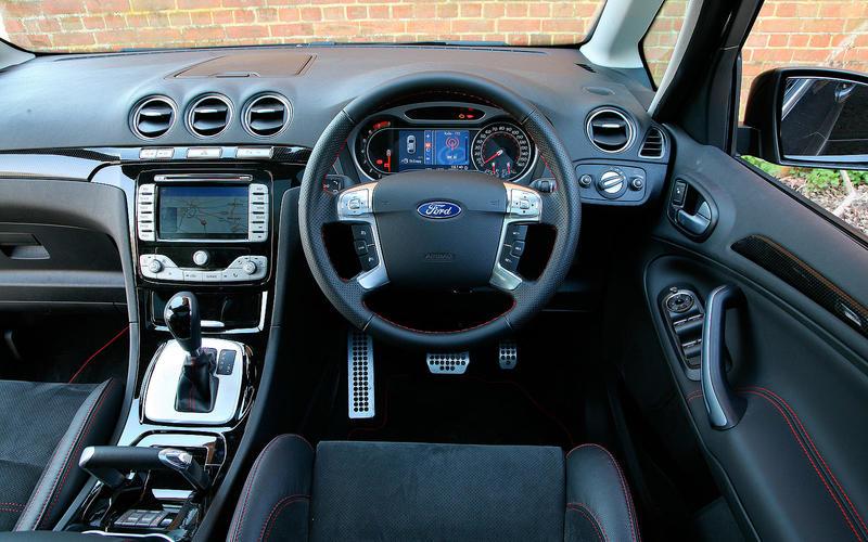 Ford S-Max 2.5 T - interior