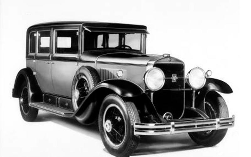 SYNCHROMESH MANUAL GEARBOX: Cadillac (1928)