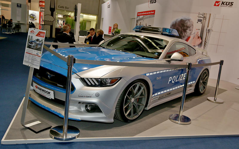 Police Ford Mustang