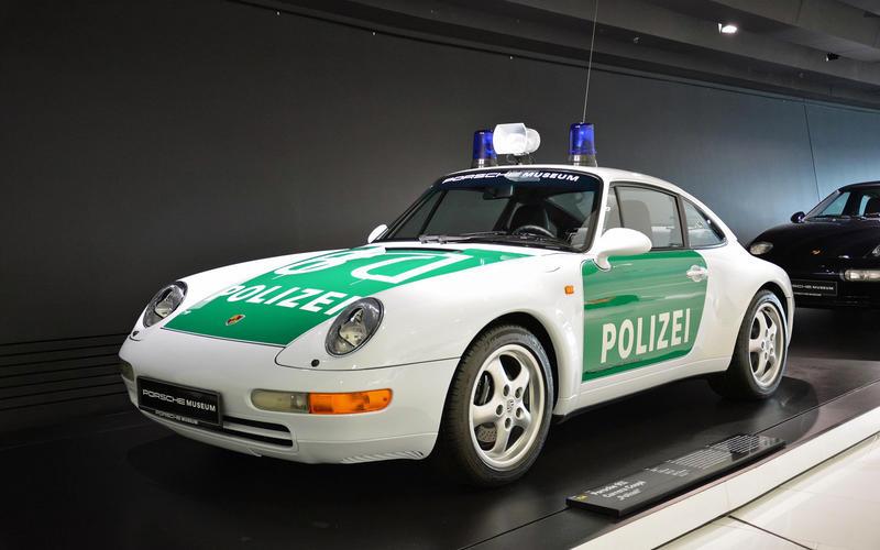 16: Porsche 911 (Germany)