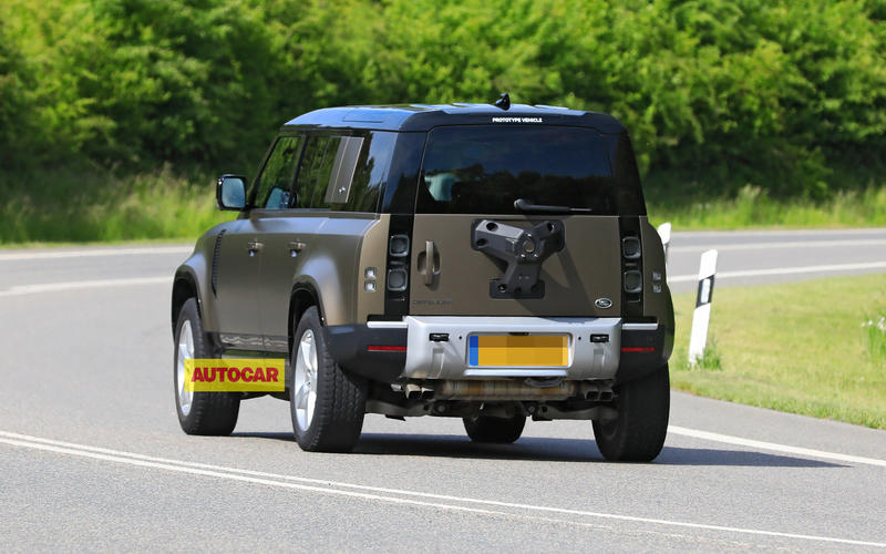 MID 2021: Land Rover Defender V8