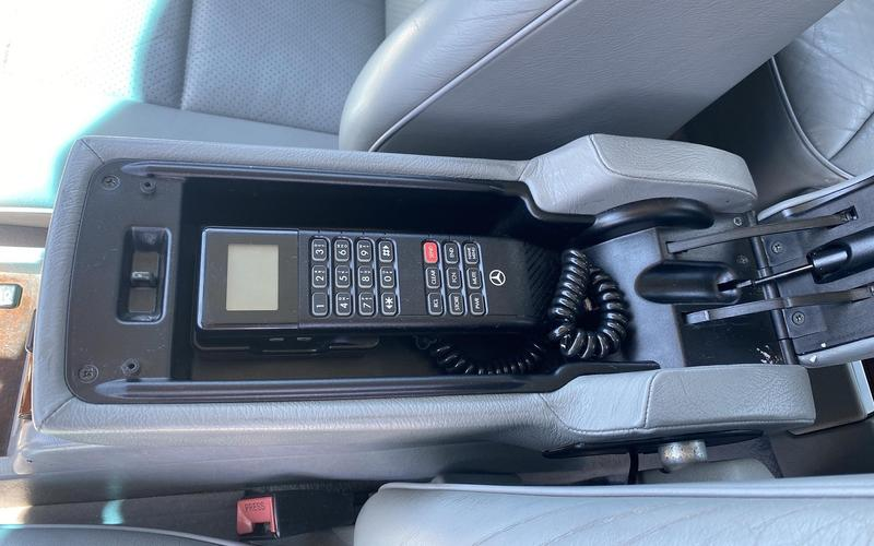 Car phones (1980s and 1990s)