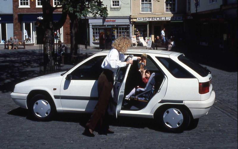 Citroën ZX (The Bourne Identity, 2002)