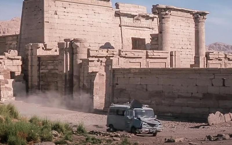 4. Leyland Sherpa van (The Spy Who Loved Me, 1977)