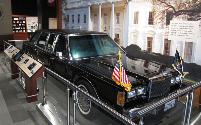 Lincoln Town Car - 1989