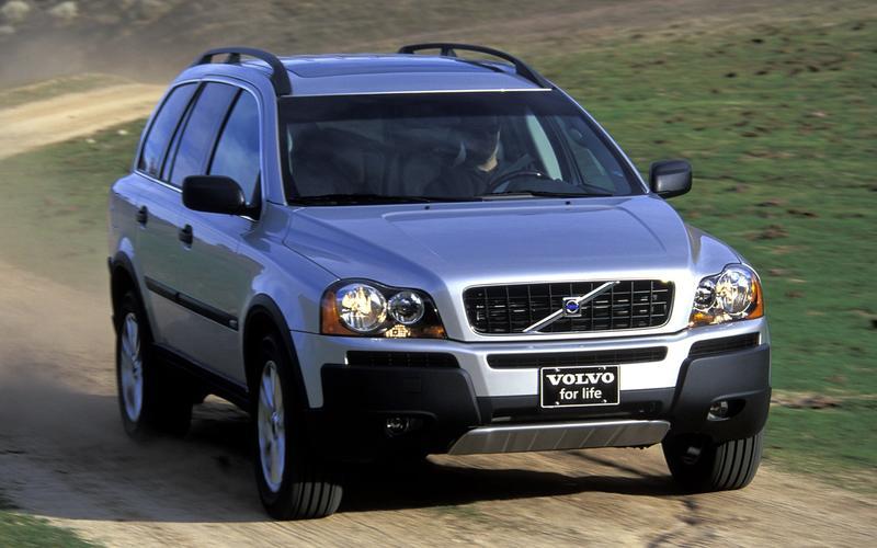 V8-powered Volvo: XC90, 2011