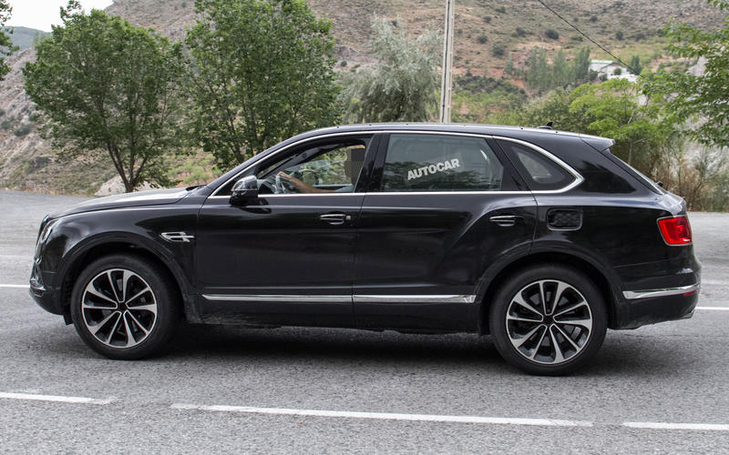 2018: Bentley Bentayga Hybrid