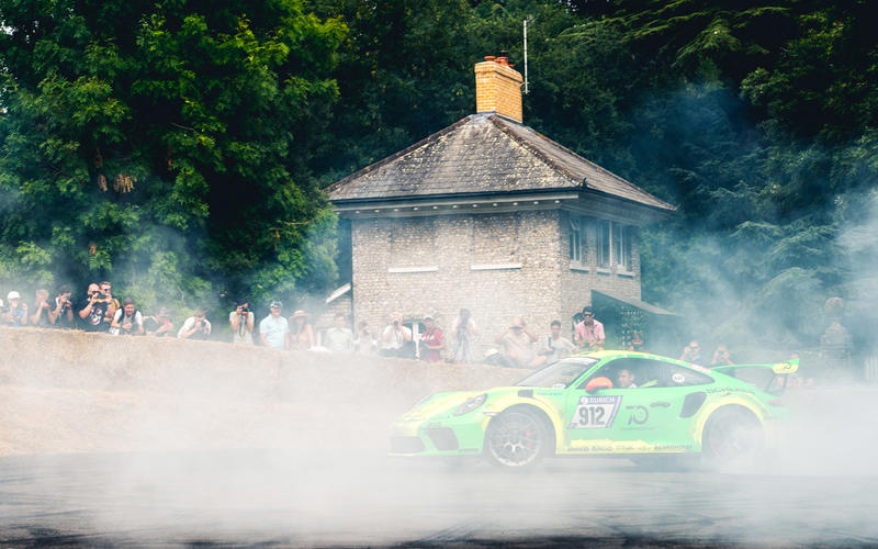 Burnouts in a Gt3 RS