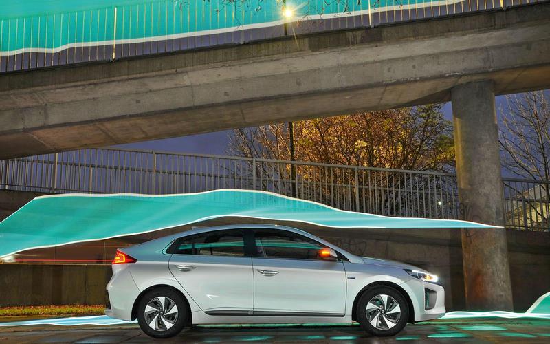 Hyundai Ioniq hybrid best hybrid 2018