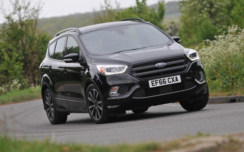 Ford Kuga cornering - front