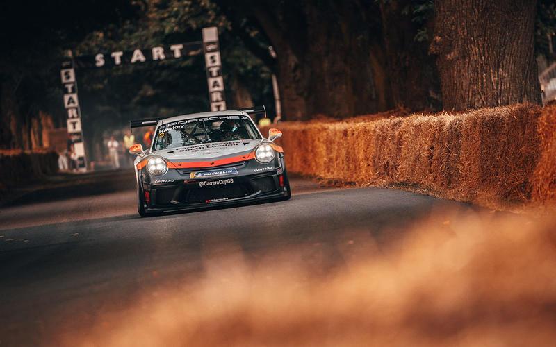 Esmee Hawkey's Carrera Cup car