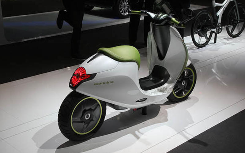 Paris motor show: Smart scooter