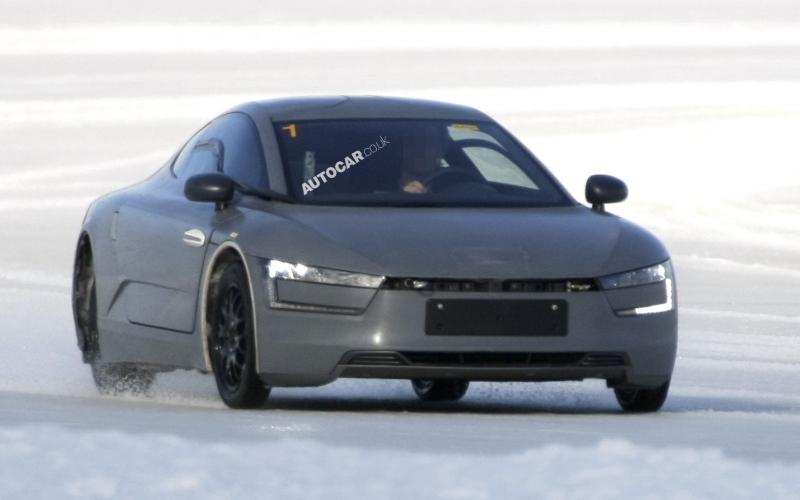 Volkswagen XL1 spied testing