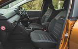 12 Dacia Sandero Stepway 2021 RT cabin