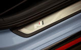 Hyundai Veloster N 2018 review - kickplates