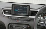 Kia Ceed 2018 road test review infotainment