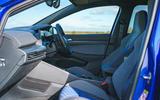 15 Volkswagen Golf R 2021 RT cabin