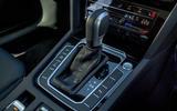 16 Volkswagen Arteon Shooting Brake 2021 RT gearstick