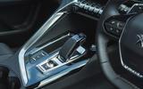 17 Peugeot 3008 2021 RT centre console