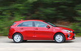 Kia Ceed 2018 road test review side panning