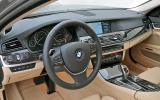 BMW 528i SE dashboard