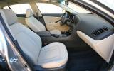 Kia Optima 2.4 Hybrid interior