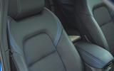 24 Nissan Qashqai 2021 RT front seat details