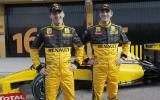 Renault F1 shows new colours