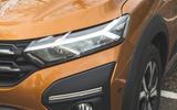 4 Dacia Sandero Stepway 2021 RT headlights