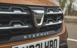 5 Dacia Sandero Stepway 2021 RT front grille