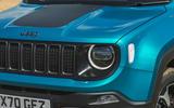 5 Jeep Renegade 4xe 2021 RT headlights