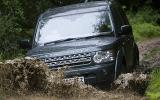 Land Rover Discovery 4 entering water