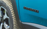 8 Jeep Renegade 4xe 2021 RT hybrid badge