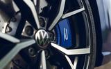 8 Volkswagen Golf R 2021 RT brake calipers