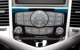 Chevrolet Cruze audio system buttons