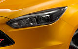 Ford Focus ST headlights