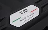 10-lamborghini-huracan-evo-uk-fd-2019-engine-badge