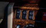 Mercedes-Benz W124 - dashboard