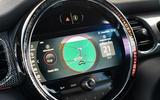 11 Mini Cooper S 2021 UK FD infotainment