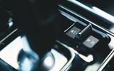 12 Jaguar XE P250 R Dynamic 2021 UK FD centre console