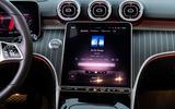 12 Mercedes Benz C Class 2021 FD infotainment