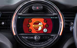 Mini Cooper 5dr 2018 UK review radio