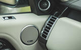 12 LUC Bentley Bentayga Range Rover 2021 0068