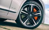 13 olg Flying Spur vs Mercedes Benz S400d 4matic 2021 4148