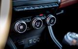 Renault Captur 2019 first drive review - climate controls